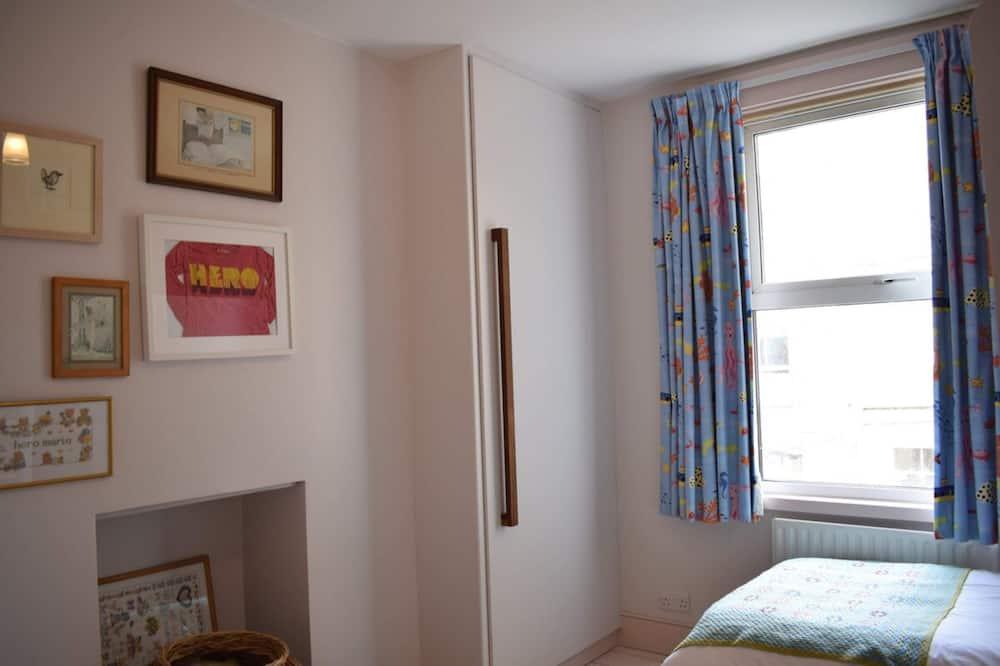 Hus (2 Bedrooms) - Værelse