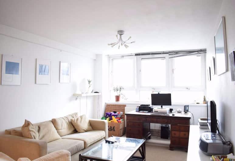 2 Bedroom Flat in the Heart of London, London