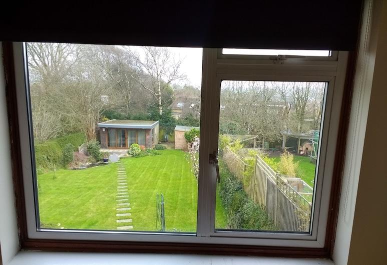 Three Bedroom Home With Garden in Brighton, Brighton, Værelse