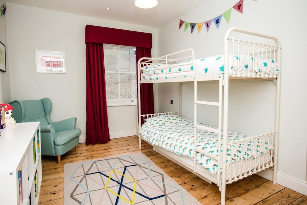 Nhà (3 Bedrooms) - Phòng