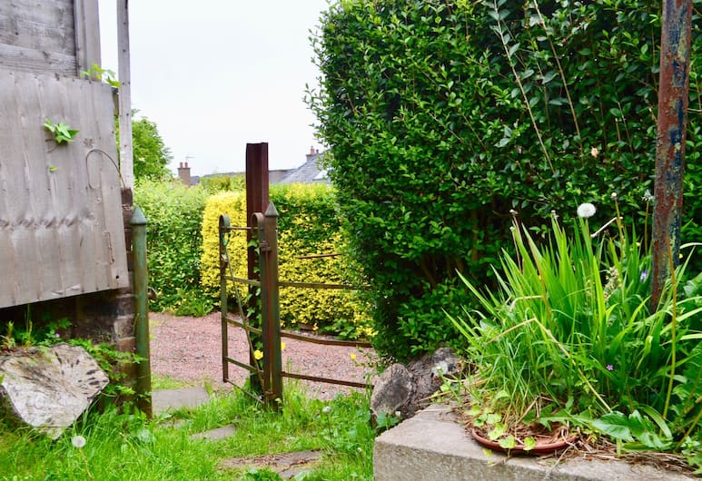 2 Bedroom Flat In Morningside With Private Garden, Edinburgh, Terrace/Patio