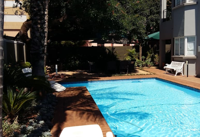 Liza's Cottage Guesthouse, Pretoria, Pool