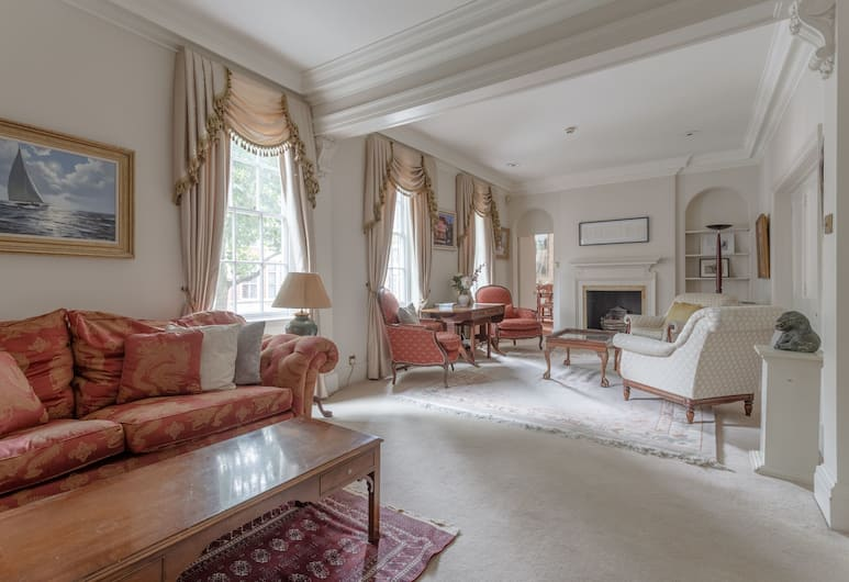 4 Bedroom Townhouse in Westminster, London, Wohnbereich