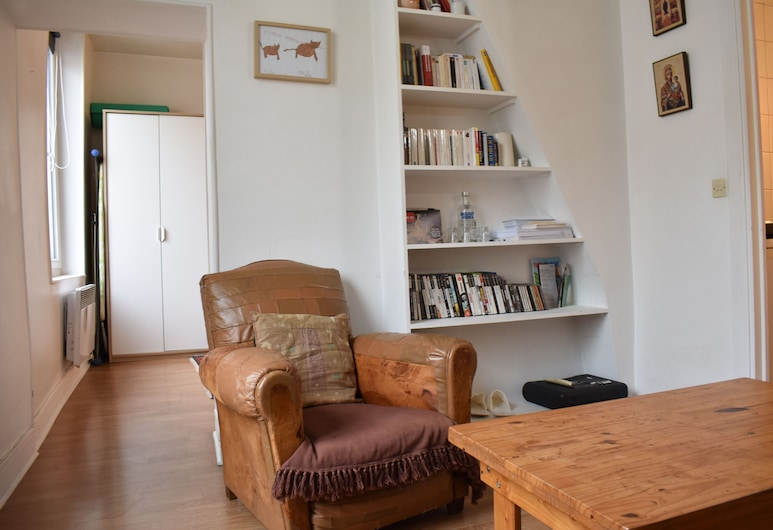 1 Bedroom Apartment In Central Paris, Παρίσι