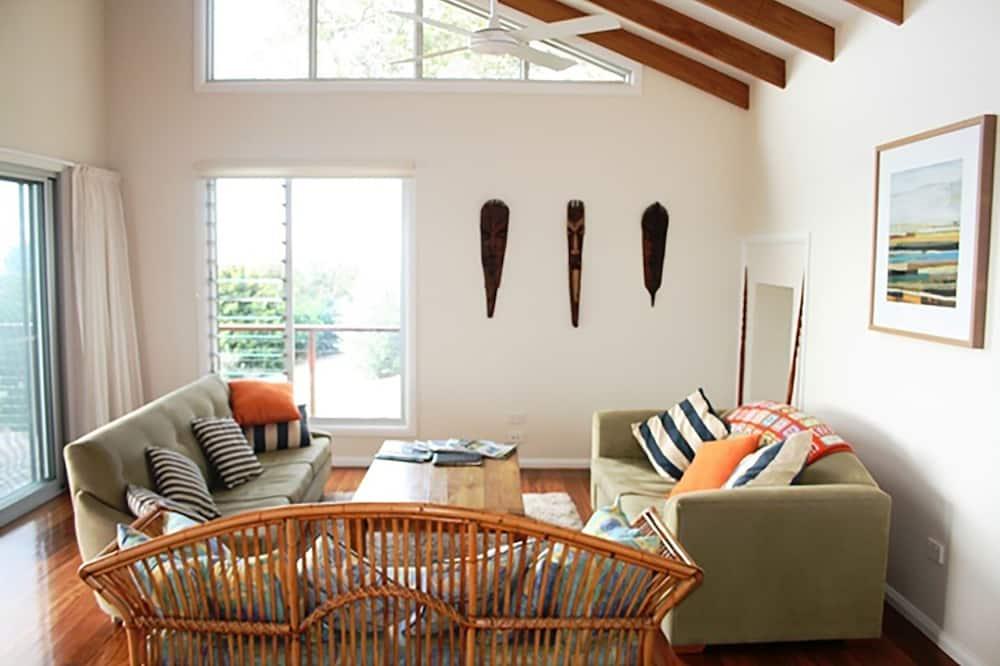 Huis, 2 slaapkamers (1 Queen, 1 Single, 1 Tri-bunk) - Woonruimte