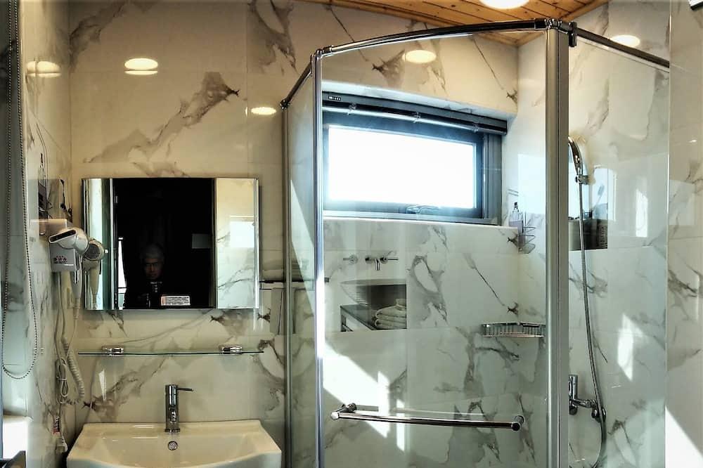 Habitación doble básica, 1 cama doble, para no fumadores - Baño