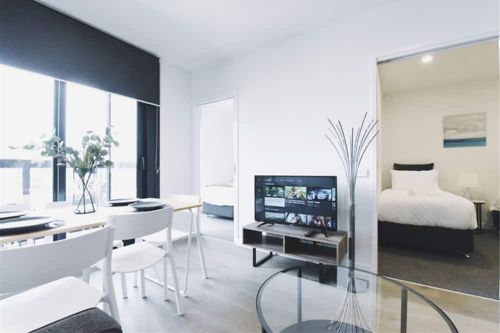شقة عادية - غرفتا نوم - بمطبخ مصغر - منطقة المعيشة