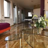 Ateliérový apartmán s panoramatickým výhľadom, 2 spálne, výhľad na mesto - Obývacie priestory
