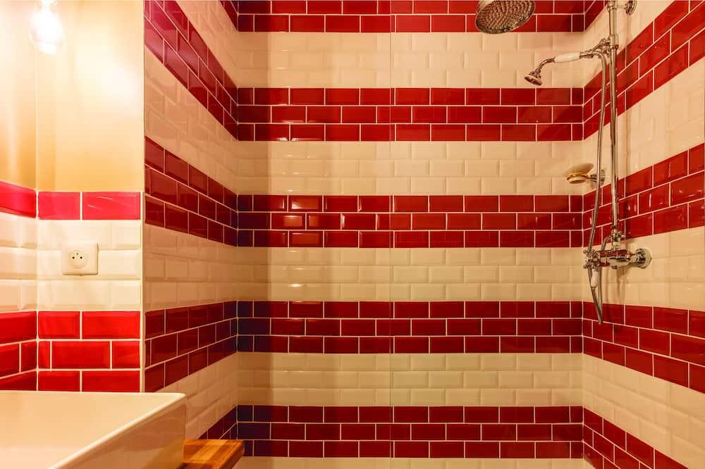 Huoneisto, 1 makuuhuone - Kylpyhuoneen suihku