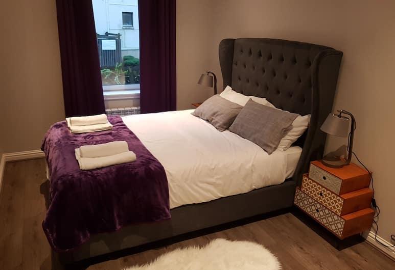 First St John's Hill Apartment 2, Edinburgh, Deluxe appartement, Meerdere bedden, niet-roken, uitzicht op tuin, Kamer