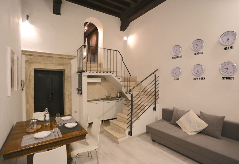 Rome's Holidays Campo De' Fiori, Rome, Comfort Duplex, Living Area