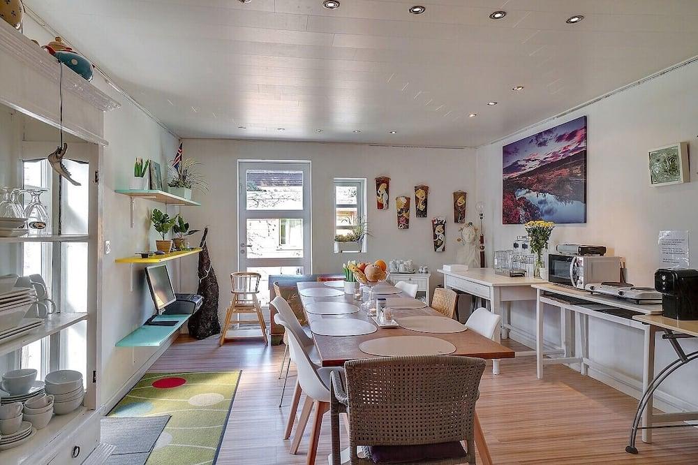 Trokrevetna soba, 3 kreveta za jednu osobu, trijem - Dnevni boravak