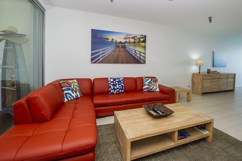 Superior Apartment, 3 Bedrooms, Pool Access, Ocean View - Living Room