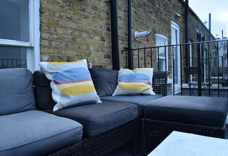 1 Bedroom Chelsea Flat With Balcony, Londra, Balkon
