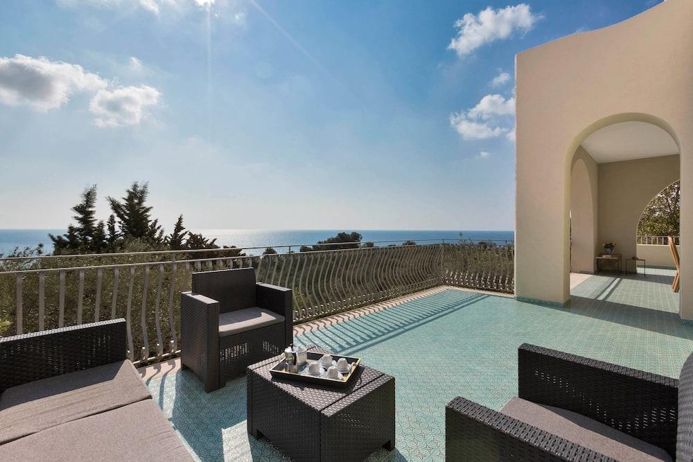 House, 4 Bedrooms, Oceanfront - Terrace/Patio