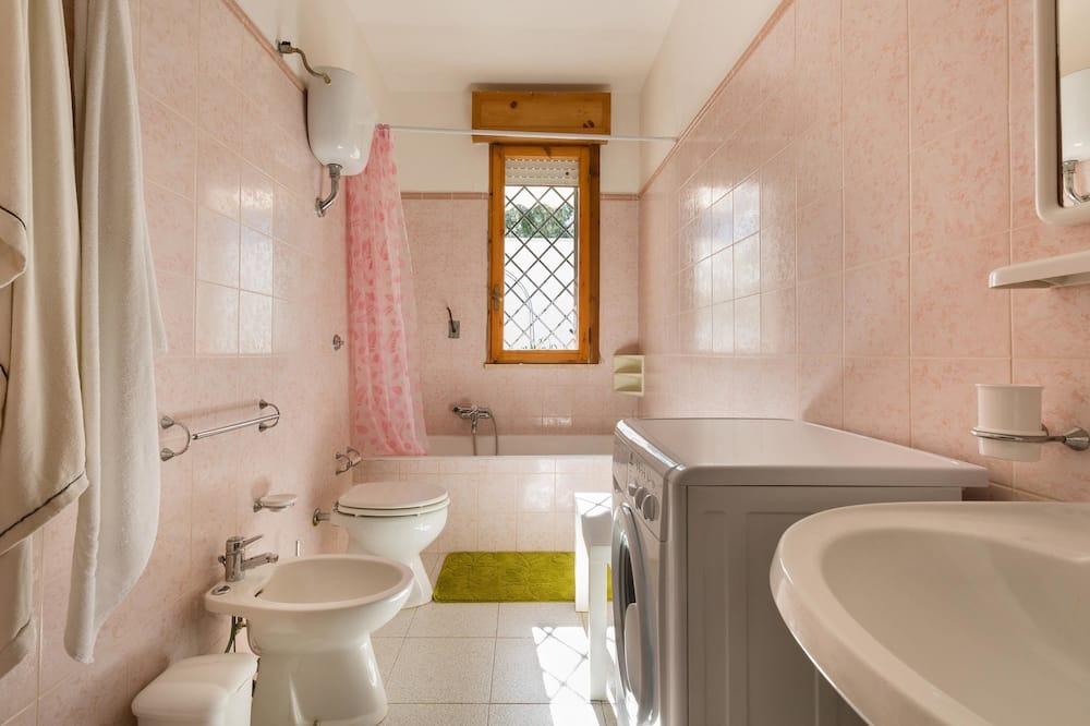 Comfort House, 3 Bedrooms - Bathroom