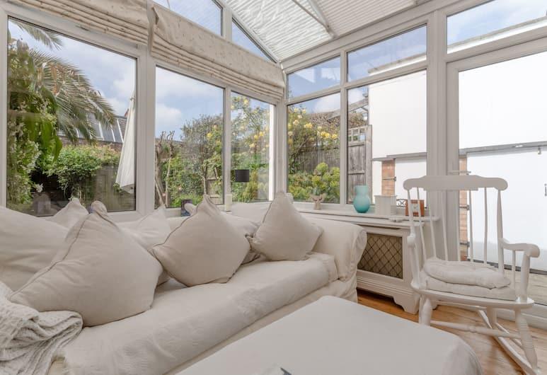 3 Bedroom Family House With Garden, Londres, Coin séjour
