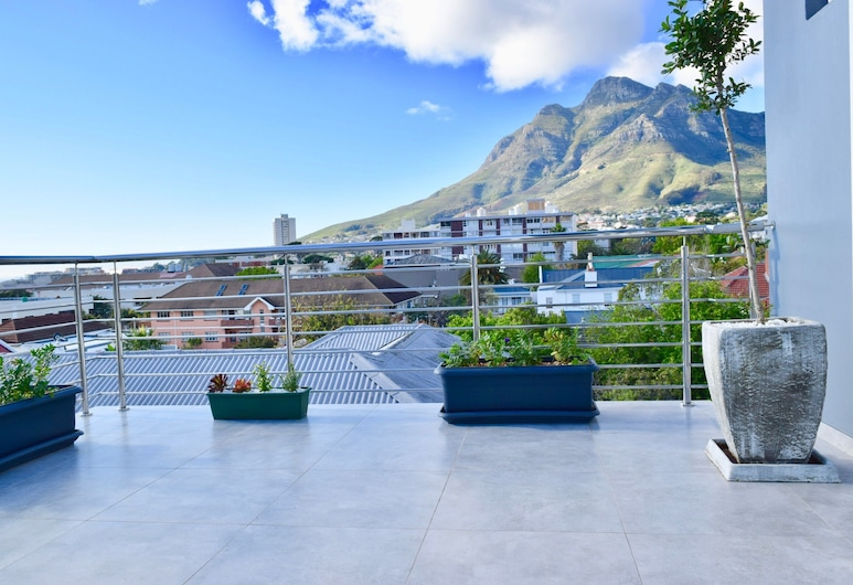 2 Bedroom Apartment With Mountain View, Cape Town, Balcony