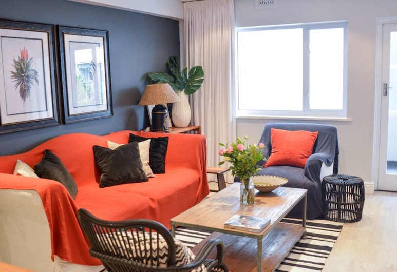 2 Bedroom Apartment Near Sea Point, Cape Town, Living Area