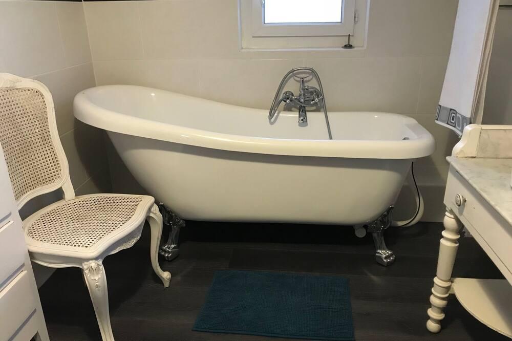 Double Room, Bathtub (1) - Kemudahan Bilik Mandi