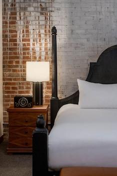 Hình ảnh The Last Hotel  tại St. Louis