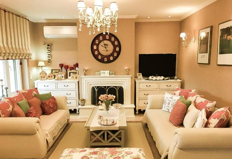 Luxury Family Villa near Meteora, קלמבקה