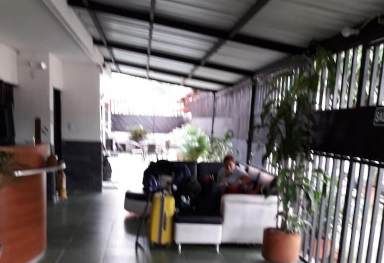 Aparta Hotel El Bosque zz, קאלי, אזור ישיבה בלובי