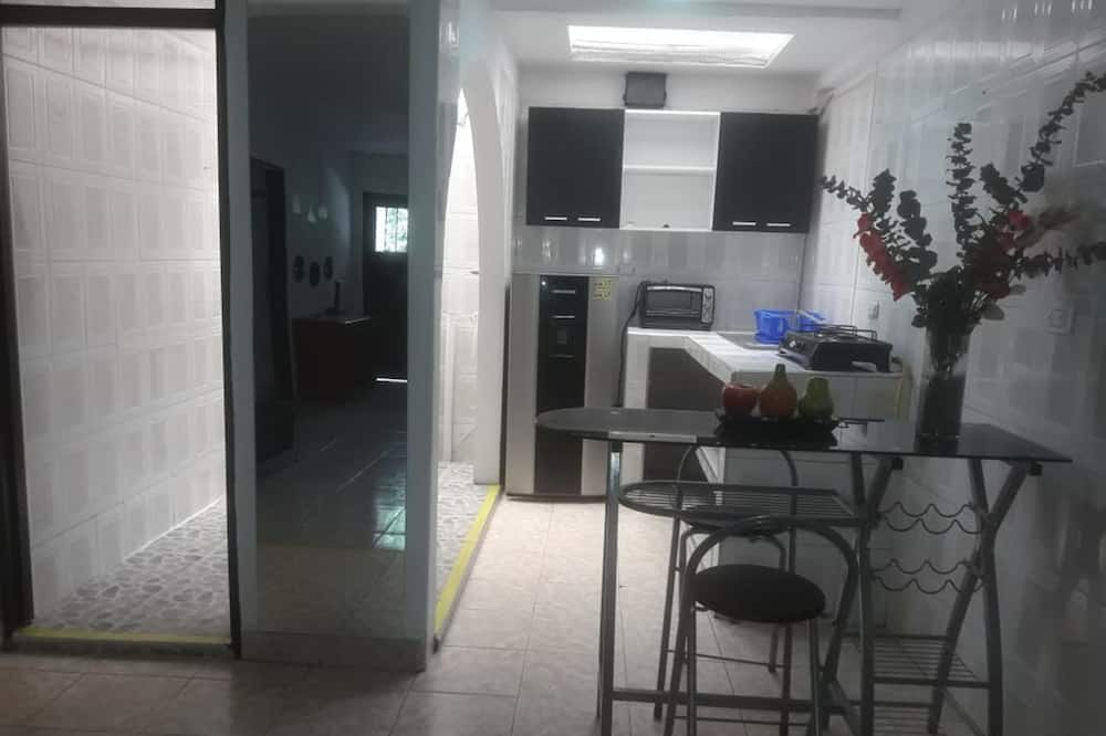Apartament, aneks kuchenny - Powierzchnia mieszkalna