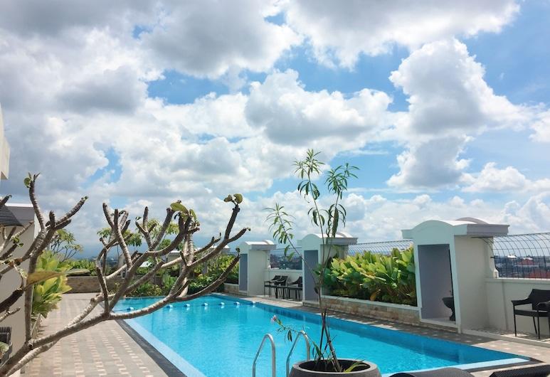 グランド セニューム ホテル, ジョグジャカルタ, 屋外プール