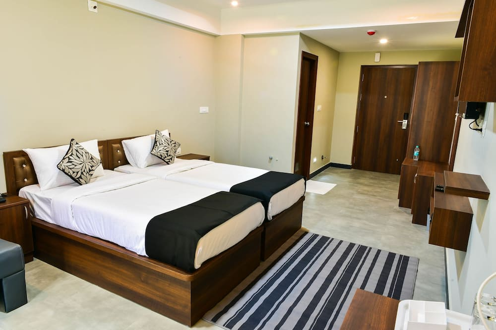 Deluxe Double Room, 1 Double Bed, Non Smoking - Living Area