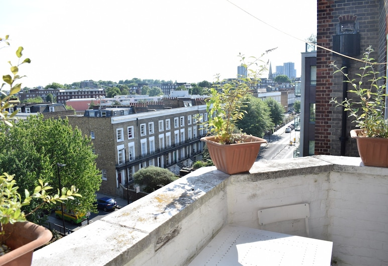 Sunny 2 Bedroom Flat Between Camden Town & Primrose Hill, Lontoo, Parveke