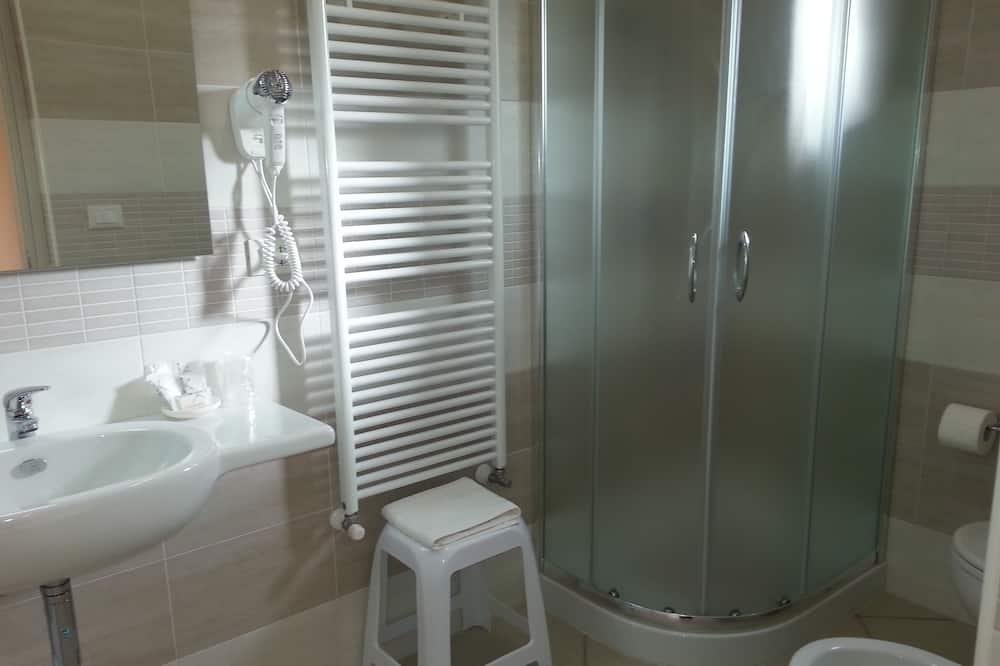 Dvivietis kambarys, vaizdas į sodą (Melograno) - Vonios kambarys