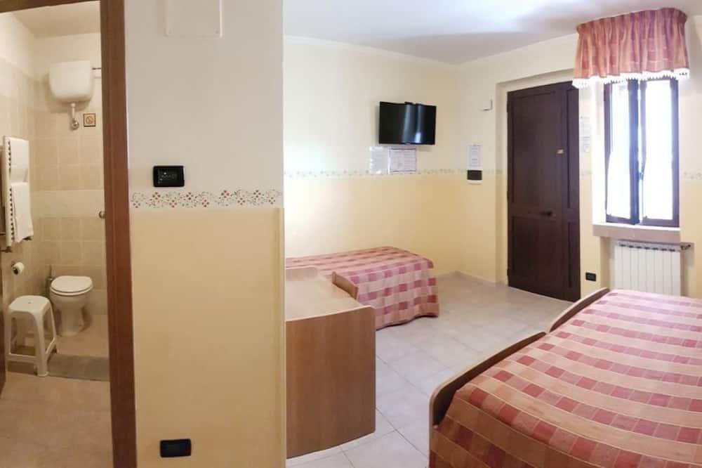 Kamer, 1 twee- of 2 eenpersoonsbedden (with 1-2 pax) - Badkamer
