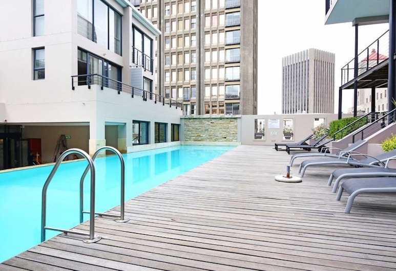 1 Bedroom Apartment in City Centre, Cape Town, Outdoor Pool