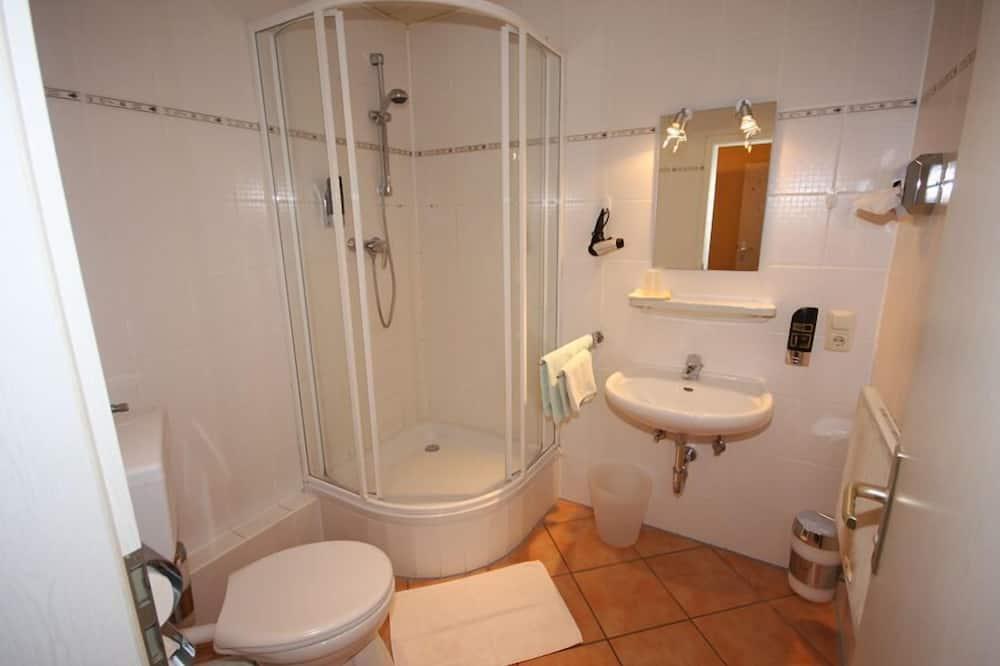 Háromágyas szoba, több ágy, nemdohányzó - Fürdőszoba
