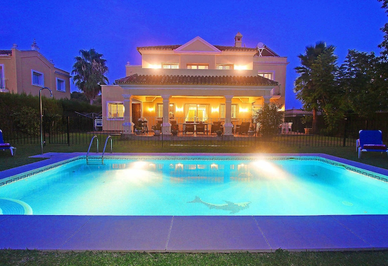 1106 Family Villa Heated Pool High Speed Wifi Netflix, Estepona, Āra baseins