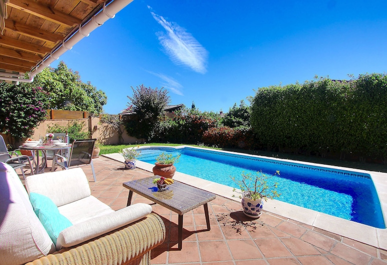 1109 Panorama Sea View Family Villa Roof Terrace Close To The Beach, Marbella, Lounge