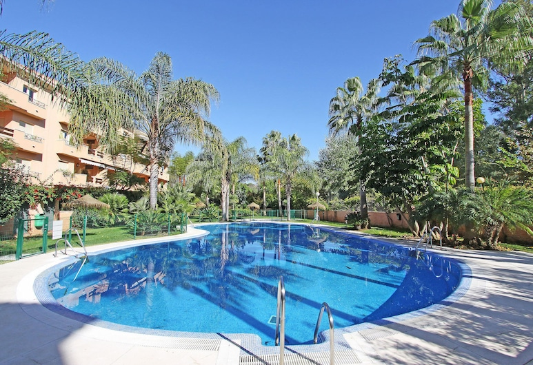 1151 Beachfront 2. Line 7 Bedroom 2 Apartments Together Dircet Dunes, Marbella