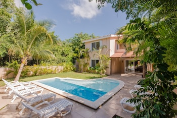 Picture of Villas Picalu Studios & Suites in Puerto Aventuras