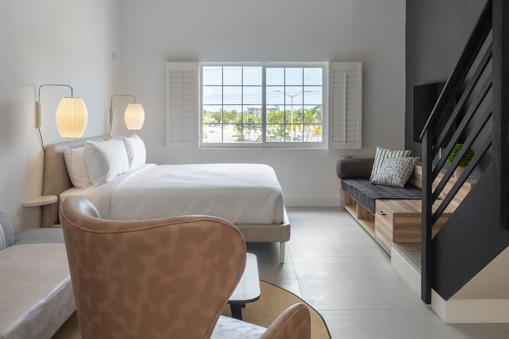 Loftas su pagrindiniais patogumais, 1 labai didelė dvigulė lova ir sofa-lova - Svetainės zona