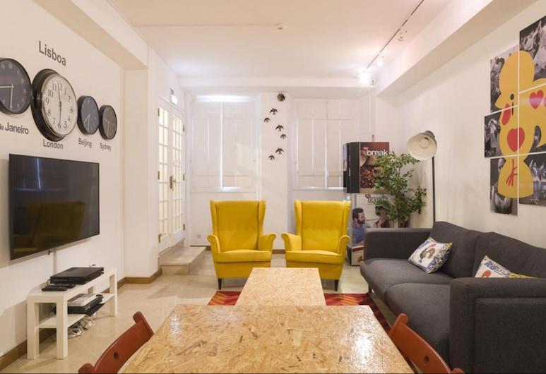 123 Embaixador Hostel, Lisbon, Twin Room, Living Room