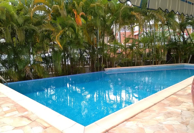 Discover MY Charming Bungalow With Pool, Le Gosier, Sundlaug