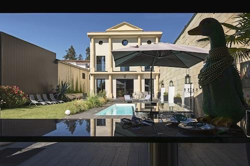 温水プール付きの豪華なヴィラ5ベッドルーム+