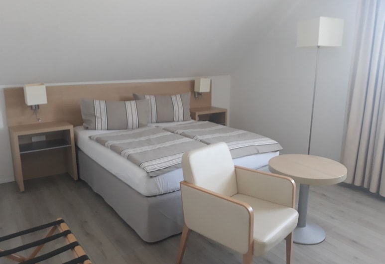Culina, Oberlungwitz, Triple Room, Ensuite, Guest Room