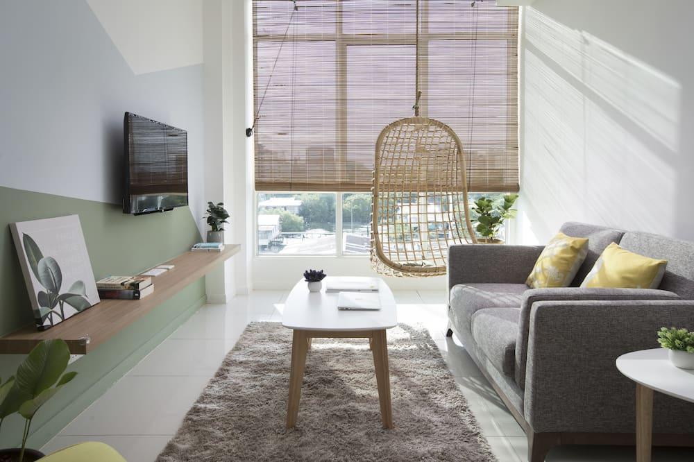 Apartment, 3 Bedrooms (Unit B3-09) - Living Area