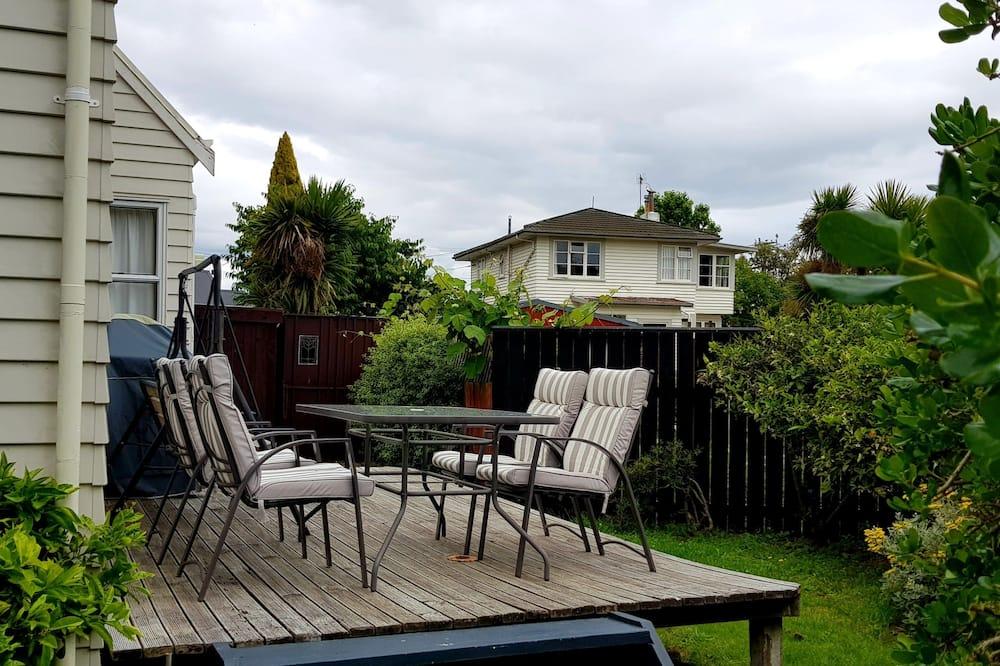 Family 2 Bedroom Beach House - Terrace/Patio