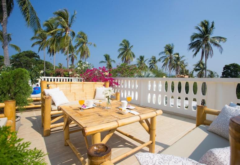 Villa Sealavie, ראוואי, 5-Bedrooms Private Pool Villa, מרפסת/פטיו