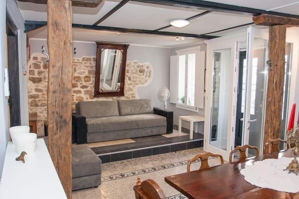 Studio (Pijat) - Living Area