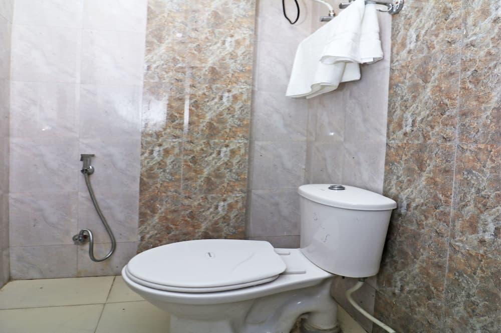 Deluxe - kahden hengen huone, 1 suuri parisänky - Kylpyhuone