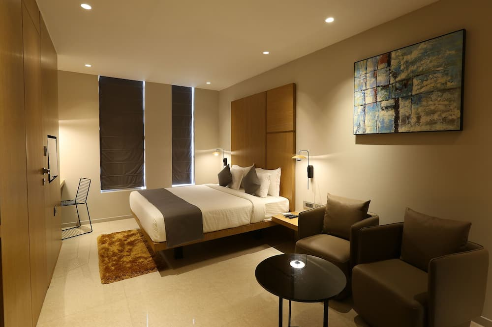Suite, 1 King Bed - Guest Room